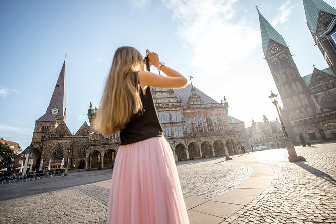 Kickstart your trip to Hamburg with a local: private & personalized photo 4