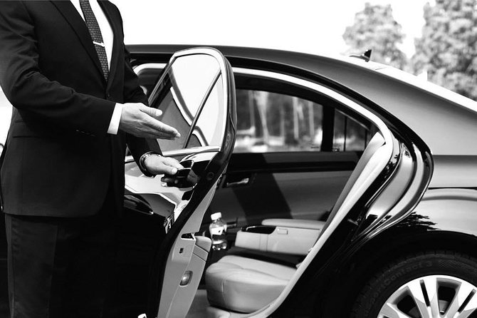 Private Chauffeur Belfast City Airport (BHD) Transfer to Belfast