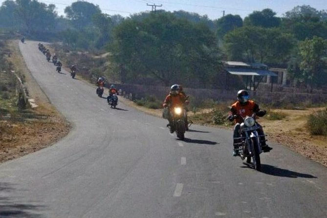 From Jaipur to Sambhar on Motorbike - A Guided Tour