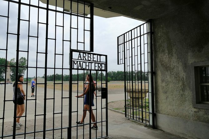 Sachsenhausen Concentration Camp Memorial - Private Tour with Public Transport
