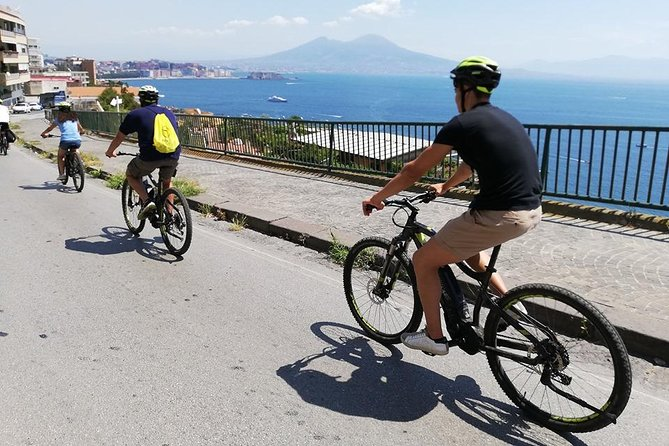 Naples panoramic e-bike ride with pizza tasting