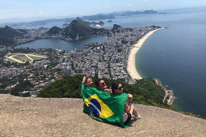 Hikking the Favela