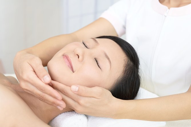 Lifting Facial Massage - by Venus' Secret Spa - Sao Paulo
