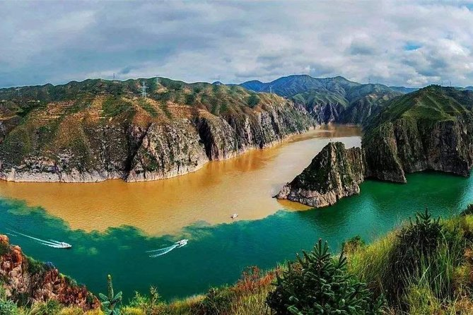 Yinchuan Private Day Tour to Qingtongxia Yellow River Canyon and 108 Dagobas