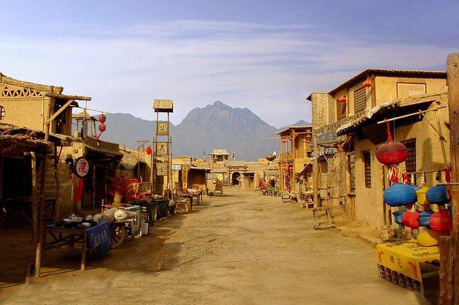 Yinchuan Day Tour: Western Xia Tombs, Rock Paintings of Helanshan, Film Studio