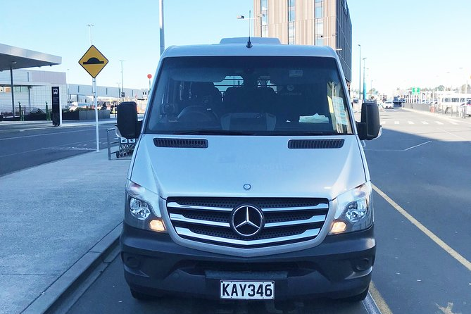 VIP Minibus Christchurch Airport to or from Central Christchurch 11 Passengers