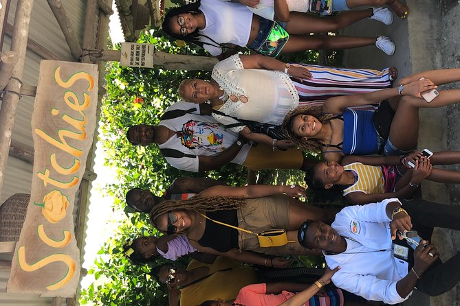 Private & Customize Tour to Dunn's River Falls and Luminous Lagoon Night Tour