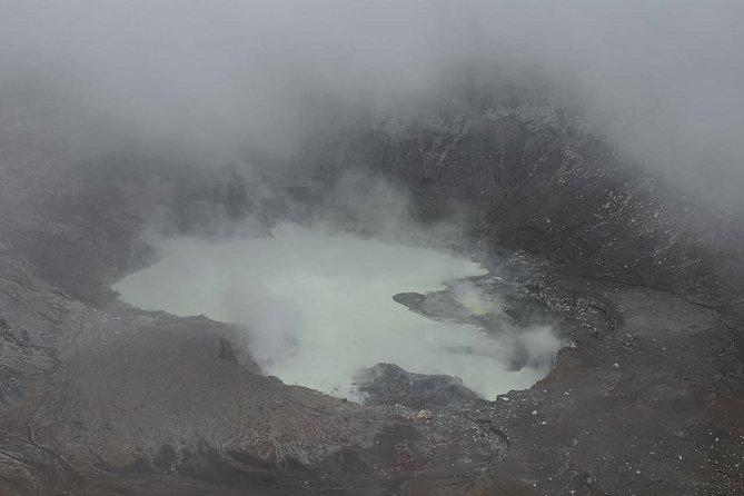 Combo tour Poas Volcano Kayaking and La Paz waterfall