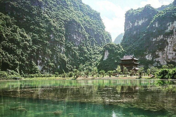 Luxury Mua Cave - Hoa Lu & Tam Coc with Buffet Lunch