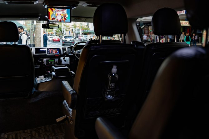 Auckland Airport & Ground Transfers - Private Luxury Car / Van