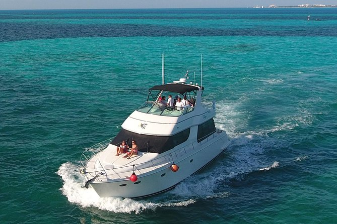 Playa Mujeres rent a Yacht 6hrs with Food and drinks aboard (MagicSea-P4) photo 3
