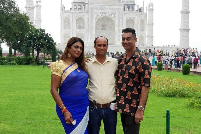 Private Day Tour of Taj Mahal with Heritage Walk and Rickshaw Ride