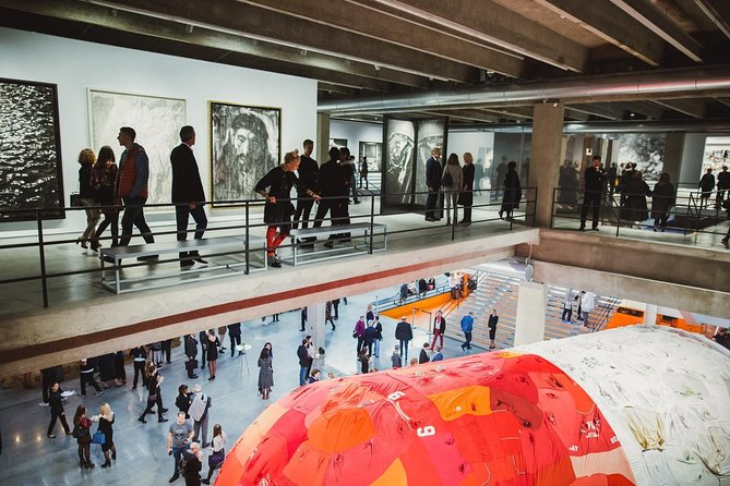 """Modern Moscow: Gorky Park and Museum of Contemporary Art """"Garage"""""""