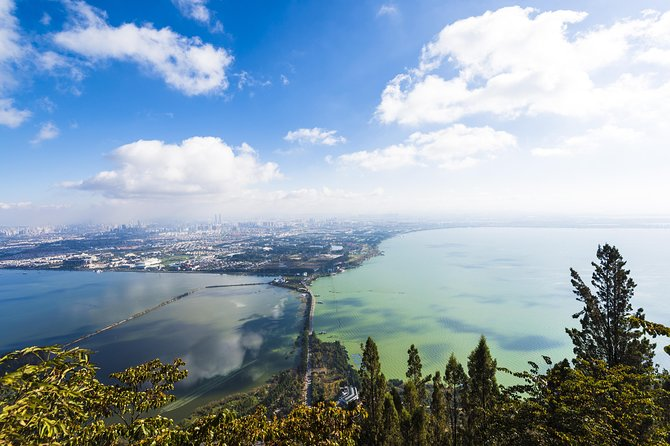 5-Hour Private Tour in Kunming: Dragon Gate, Huating Temple and Grand View Tower