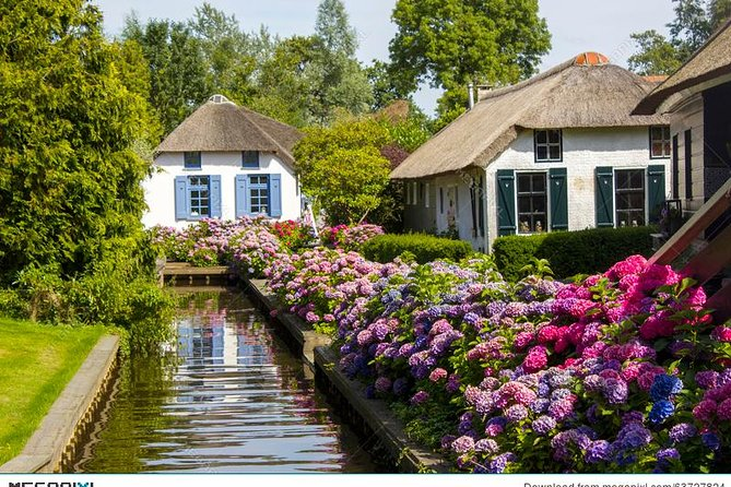 Discover the Venice of the North: Giethoorn on a private tour