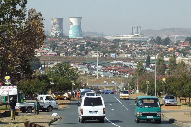 3 days tour package - Soweto/Apartheid Museum/ Pretoria/Lion Park