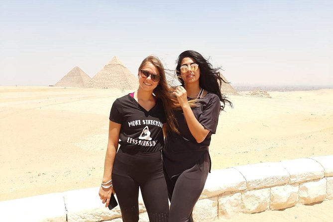 8 hours day tour: Giza Pyramids and Egyptian Museum