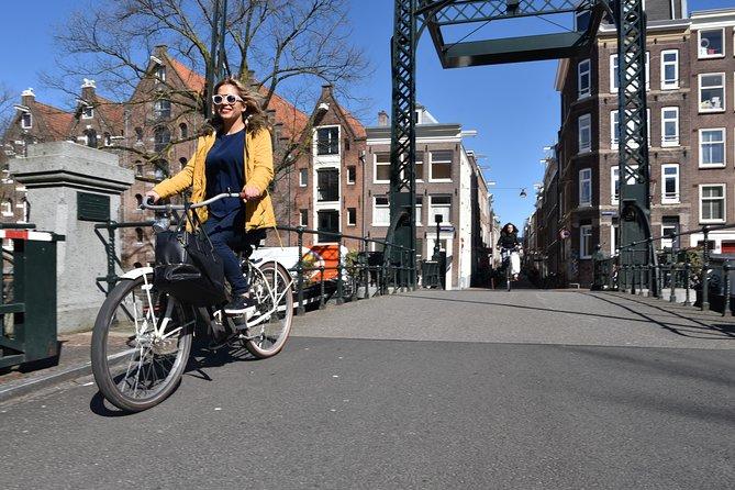 Semi-Private Bike Tour Amsterdam Max 8pp