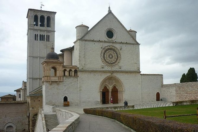 Assisi w/Driver -In the Footsteps of the Saints Private DayTrip from Rome By Car