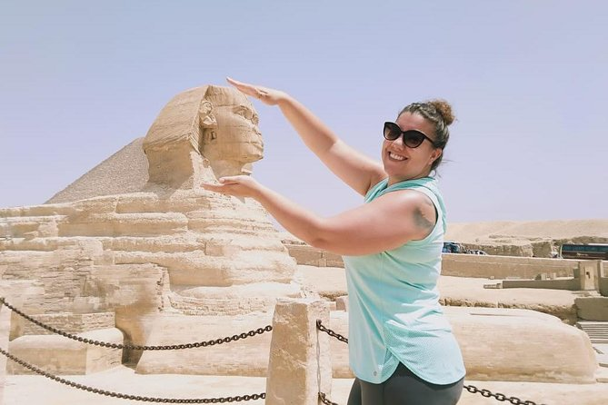 private trip to Giza pyramids and Egyptian museum with driver