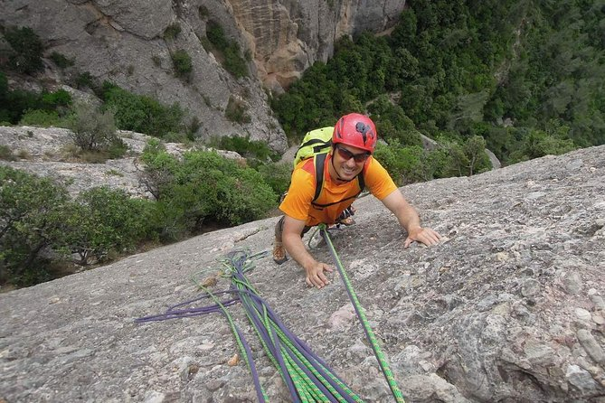 Full-day Guided Rock Climbing Trip in Montserrat, Barcelona