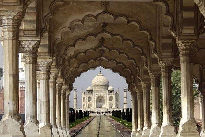 Private Same Day Tour of Agra- Explore Taj Mahal, Red Fort & Fatehpur Sikri