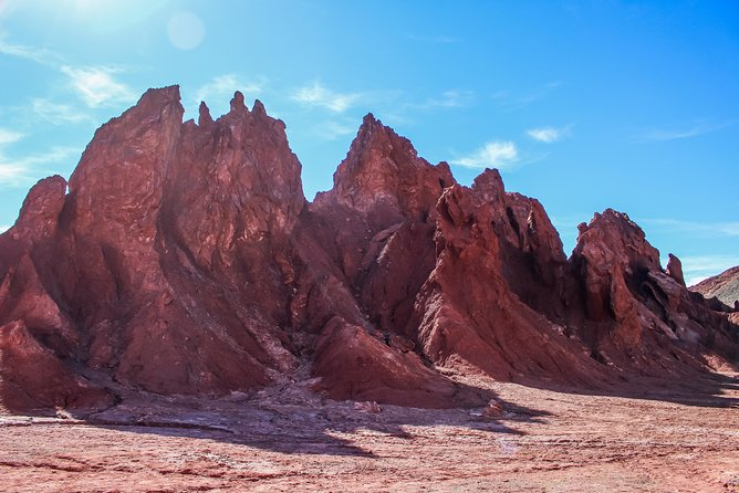 Discover the colorful mountains of the Rainbow Valley