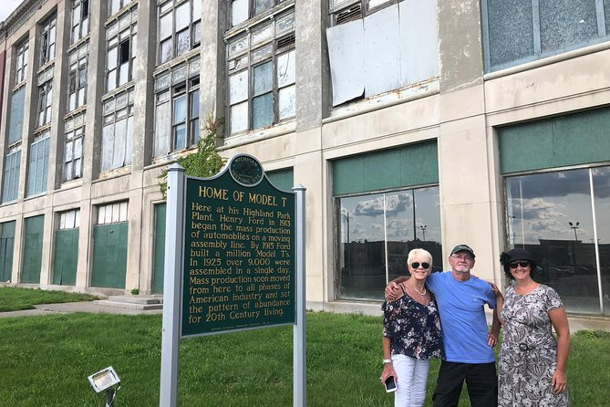 Private MotorCities Heritage Antique Car Tour: From Tinkerers to Titans