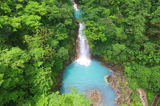 Round trip transportation from Arenal to Rio Celeste
