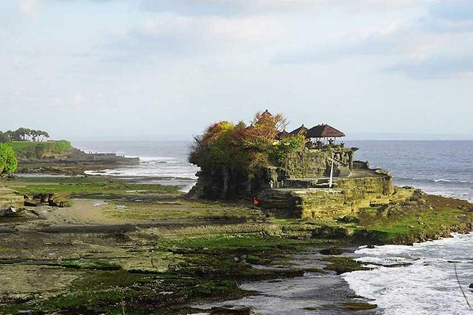 Half Day Tour: Tanah Lot Sunset & Taman Ayun Temple Included Entrance Ticket