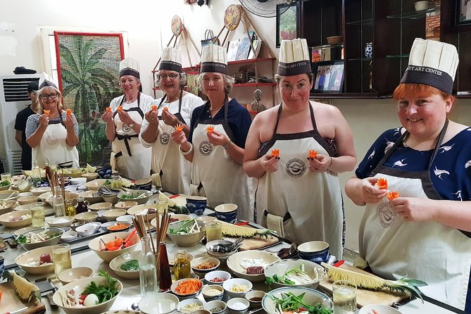 Experience half-day cooking class with market visit