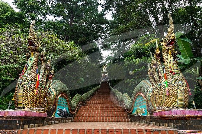 Chiang Mai City and Temples Half-Day Tour photo 6