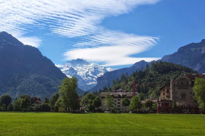 Private Interlaken tour - Lake Thoune, lake Brienz, Lauterbrunnen & Interlaken
