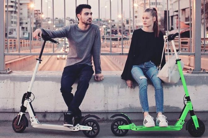 E-twow best electric scooter with 36km/h speed and 40km range. 21€ for 24h