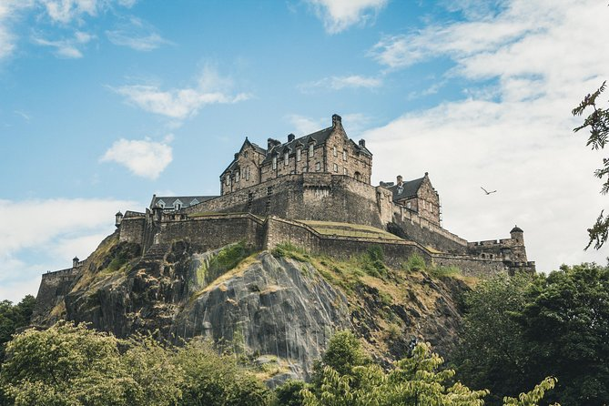 Family Day In Edinburgh With A Local: Private & Personalized