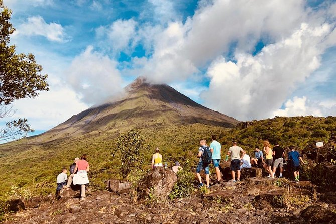 Arenal Volcano Hike from La Fortuna