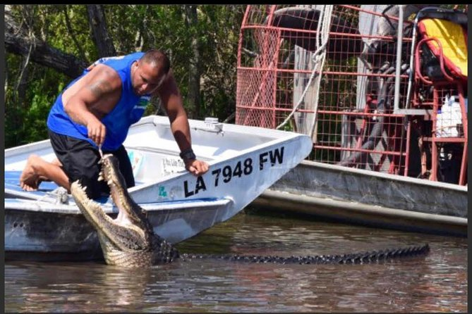 Large Airboat Swamp Tour with New Orleans Pick Up