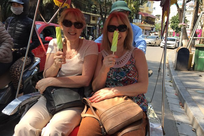 Private Hanoi street food and cyclo tour photo 21