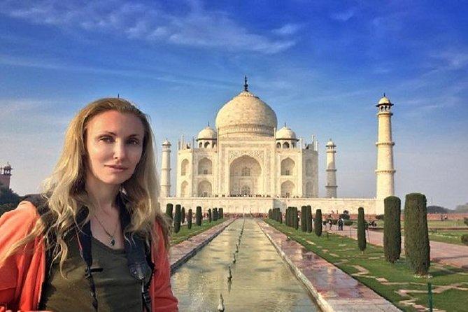 Taj Mahal Private Tour from Mumbai by Round-trip Flight