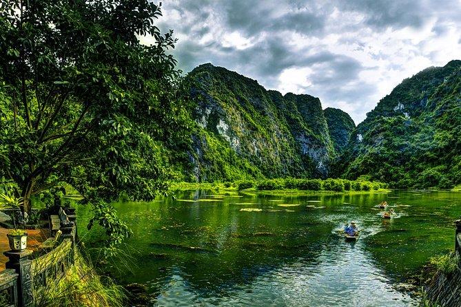 Spectacular Ninh Binh: Bai Dinh Pagoda & Trang An Ecotourism daytour