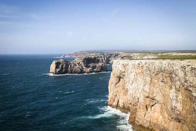 Direction Sesimbra, famous for its seafood and fresh fish!
