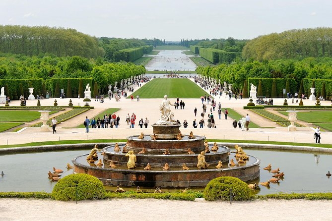 Versailles Skip-the-Line & Giverny Small Group Day Trip from Paris