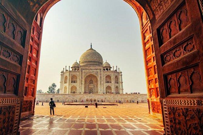 Taj Mahal Sunrise Private Day Tour From Delhi by Car