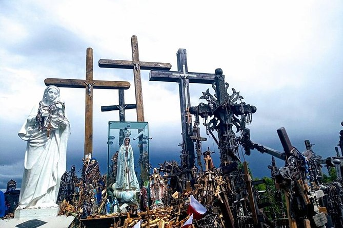 Rundale Palace and Hill of Crosses Private Tour from Siauliai