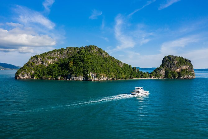 Discover Koh Samui in a Luxurious Catamaran