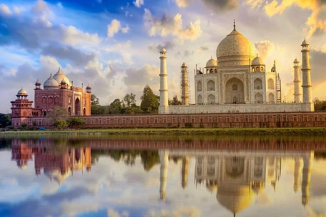 Explore Agra and Jaipur - A Guided 3 Days and 2 Nights Tour