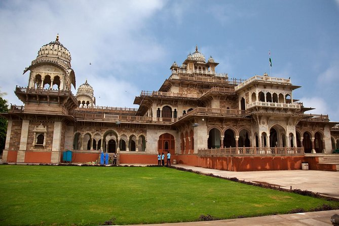Skip the Line: Albert Hall Museum Ticket with Optional Jaipur Sightseeing Trip photo 8