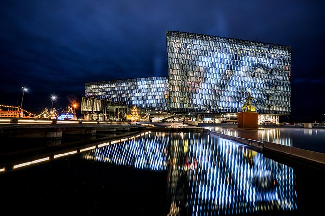 Harpa Guided Tour photo 3
