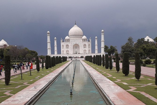 Private Taj Mahal Full day Agra tour by car from Delhi with multiple tour option photo 1