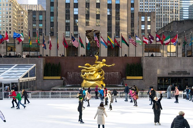 Private Limousine NYC Tour - Tourist Photo op at sightseeing attractions
